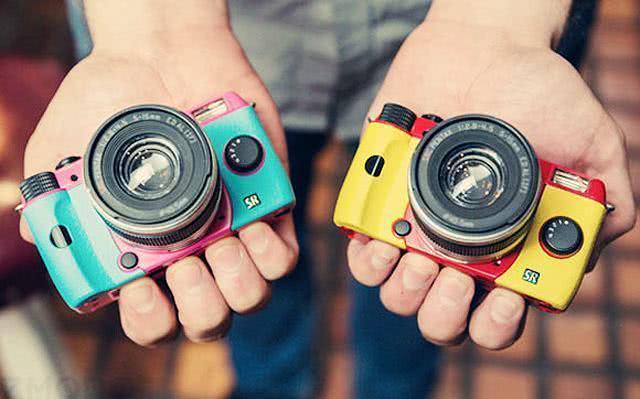 Sonhar com câmera fotográfica