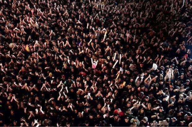 Sonhar com multidão