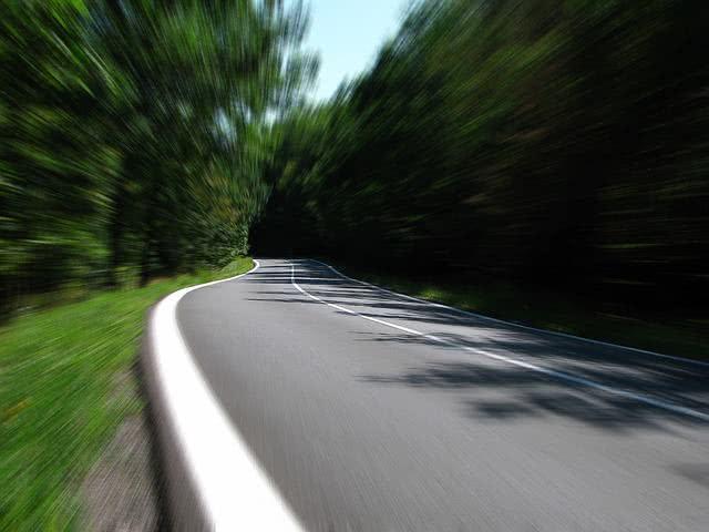 Sonhar com estrada